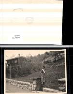 304152,Foto AK Braunwald Frau M. Kleid Katze Hütte Laterne Kt Glarus - GL Glarus