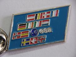 Pin's - Espace - AGENCE SPATIALE EUROPÉENNE  - Drapeaux De L'EUROPE - Logo ESA - Spazio