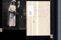 323359,Foto AK Hochzeit Hochzeitsfoto Brautpaar Schleier Tasche Brautstrauß 1917 - Hochzeiten