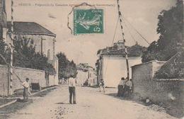 PRÉPARATIFS  DU  CONCOURS  AGRICOLE  ( CÔTÉ  DE  LA  GENDARMERIE ) - Brioux Sur Boutonne