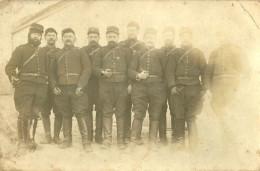 A Identifier. Cpa Photo D'un Groupe De Soldats - A Identifier