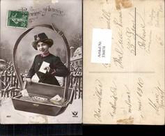 336874,Fotomontage Frau Briefträgerin Post Postwesen Emanzipation - Post & Briefboten