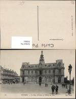 350041,Poitou-Charentes Vienne Poitiers La Place D'Armes Et L'Hotel De Ville Rathaus - France
