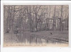 RUEIL : Parc De La Malmaison, Une Villa - Tres Bon Etat - Rueil Malmaison