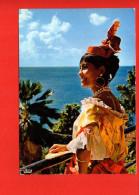 """Danseuse Folklorique Du Groupe """" Loulou Boislaville """" - Danses"""