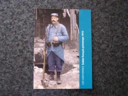 Carte Postale LES UNIFORMES  Soldat Français 23 è R I T 1915 Guerre 14 18 Reproduction Colorisée Grand Format 21 X 15 - Militaria
