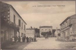 33-LESTIAC-Place Victor-Hugo  Animé  CAFE NATIONAL... - France