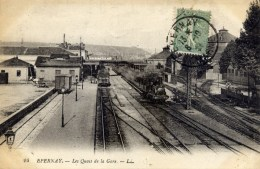 51 EPERNAY Les Quais De La Gare TRAIN Ed. LL