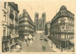 CPM - BRUXELLES - Eglise Et Rue Sainte Gudule - Avenues, Boulevards