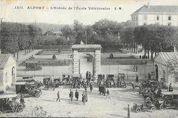 Alfort - L'Entrée De L'Ecole Vétérinaire En 1911 - Belle Animation: Vieilles Automobiles - Carte E.M. N°1511 - Ecoles