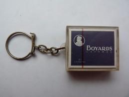 PORTE-CLEF - Cigarette  BOYARDS - Caporal - - Porte-clefs