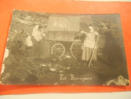 B658  Donne Accampamento Orso Cm9x14 Foto Bonsigaore Presenza Di Screpolature A Margine Sx - Cartoline