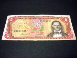 DOMINICAINE REP. 5 Peso Oro 1988 ,pick N°118 C , REPUBLIC DOMINICAN - Dominicaine