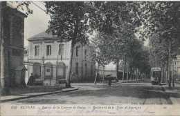 35 - Rennes - Entrée De La Caserne De Guine - Boulevard De La Tour D'Auvergne - Circulé Courrier Militaire - Animée - Tr - Rennes