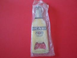 DECAPSULEUR RICARD PORTE CLEF  EMBALLAGE D ORIGINE   ***   SUPERBE   A  SAISIR **** - Bottle Openers