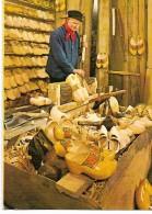 CPM -  Artisanat - HOLLAND - Klompenmaker In Zijn Werkplaats Bij De Centrale  Aalsmeerse Velling Te Aalsmeer - Ambachten