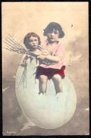 1909 CPA PHOTO MONTEE - SURREALISME - GARCON SORT D'UN OEUF - BOY GETS OUT OF EGG - Abbildungen