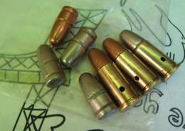 Lot De 3 Cartouches 38 S&W Et Ogives Pour Revolver Webley / Enfield Cal .380 - Militaria