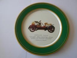 BELLE ASSIETTE METALLIQUE DECOREE  LION PEUGEOT ANNEE 1906    ****    A   SAISIR   ***** - Plates