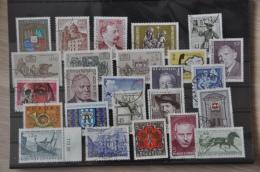 A 012 ++ OOSTENRIJK AUSTRIA AUTRICHE GESTEMPELD USED LOT ++ SEE PICTURE - Verzamelingen (zonder Album)