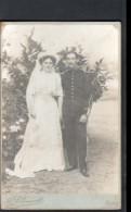 PHOTOGRAPHE A. CHAUVET, GIEN, FORMAT 10,5 X 16 Cm, PHOTO DE MARIES AVEC MILITAIRE - Personnes Anonymes