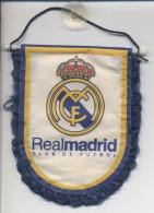 ESPAGNE  - MADRID  -  FANION - ECUSSON   -  FOOTBALL  - 2 Scans - Voetbal