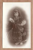 Criança Com Traje De MINHOTA Postal Fotografico. Old Real Photo Private Postcard TYPICAL COSTUME PORTUGAL - Viana Do Castelo