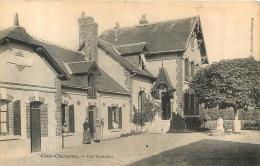 COUR CHEVERNY LES TRUDELLES - France