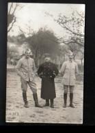CARTE PHOTO DE MILITAIRES, 1 CAPITAINE, CACHET ALLEMAND AU VERSO - Personen