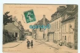 B - 03 -  MONTMARAULT - Rue Du Moulins - édition Paquiet - France