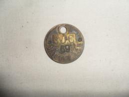 ANCIEN JETON VESTIAIRE D'OUVRIER / SOC. J. COCKRILL / MARTELAGE  / METAL  DIAM. 3,5 Cm - Obj. 'Souvenir De'