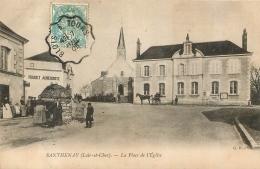 SANTHENAY PLACE DE L'EGLISE ET AUBERGE ROUGET - France