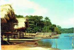 Afrique  -  Liberia Cases Sur Pilotis - Liberia