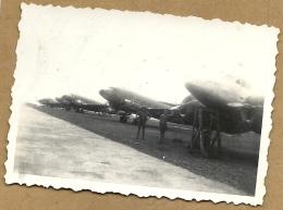 INDOCHINE LE  10  JUIN    1947   SUR  LA  PISTE FAN SON CI CHUT (  VOIR  SCANNE  DU  DOS ) - Aviation