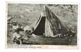 CPA GROENLAND HABITANT DU GROENLAND EST DEVANT SA TENTE OSTGRONLAENDER UDERFOR SIT TELT - Groenlandia
