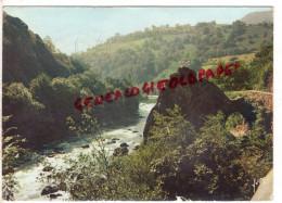 64 - ITXASSOU - BRECHE DANS UN ROCHER DIT LE PAS DE ROLAND EN BORDURE DE NIVE - 1962 - Itxassou