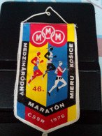RARE FLAG ATHLETICS CSSR MARATON 1976 MIERU KOSICE INTERNATIONAL CROSS - Athlétisme