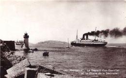 Marseille Le Départ D'un Courrier Et Le Phare De La Désirade - Joliette, Port Area