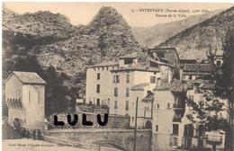 DEPT 04 :  Entrevaux , Entrée De La Ville , Canton De Castellane - Francia