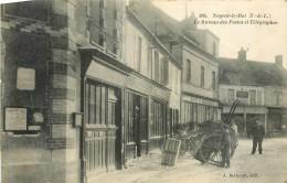 NOGENT LE ROI  Le Bureau Des Postes Et Télégraphes - Nogent Le Roi