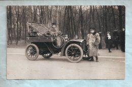 Carte Photo - Autos Dans La Rue - Non Située, A Identifier - Auto Dans Un Bois - Chauffeuse Et Chauffeur En Pelisse - Turismo