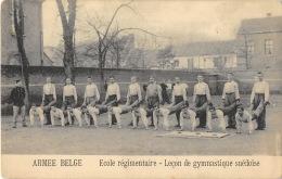Armée Belge - Ecole Régimentaire - Leçon De Gymnastique Suédoise - Casernes