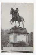 METZ - N° 10132 - MONUMENT DU GENERAL LAFAYETTE - PLIS ANGLE HAUT A GAUCHE - CPA NON VOYAGEE - Metz