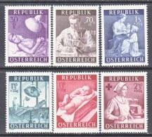 AUSTRIA   B 288-93   *   NURSES   DOCTORS - Medicine
