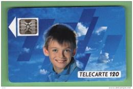 F 102A Visage D´enfant 120U SC5 *** Les Scans Representent La Carte En Vente *** (A1-P9) - 1989