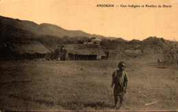Comores - ANJOUAN - Case Indigène Et Pavillon De Darini - Comores
