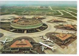 AEROPORT  Charles De Gaulle à ROISSY EN FRANCE - Aérodromes