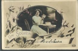 ! - Souvenir De ... - Jeunne Femme Assise à Une Table - Noces