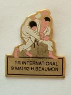 Pin´s JUDO - TOURNOI INTERNATIONAL 9 MAI 1992 HENIN BEAUMON - Judo