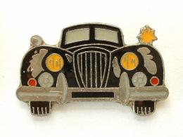 PIN´S  AUTOMOBILE A IDENTIFIER - Badges